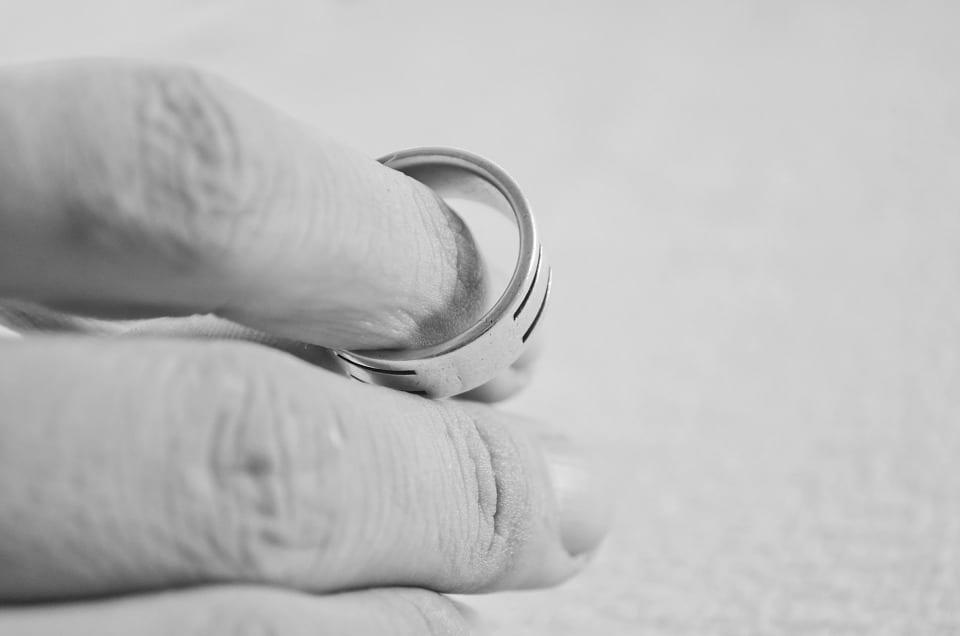Adam Bullock es el principal practicante de derecho de familia para los residentes del este de Tennessee